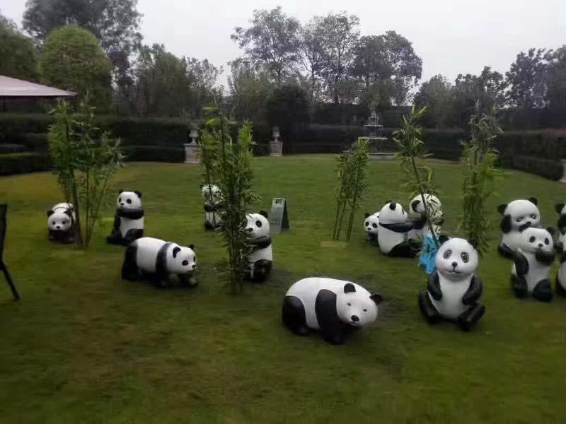 仿真熊猫摆件大型玻璃钢雕塑户外草坪动物景观公园幼儿园林装饰品