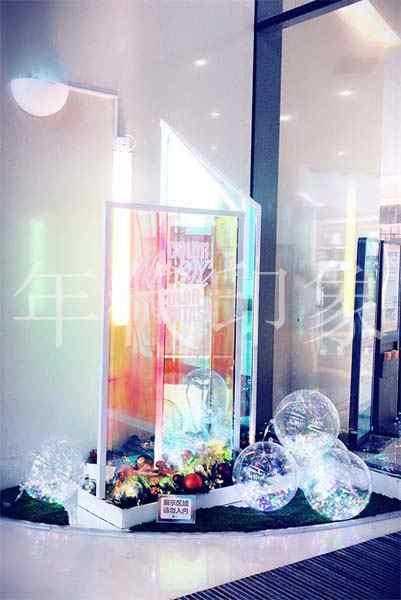 百盛青岛金狮商业购物广场美陈